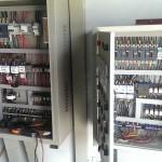 Lắp tủ điện cho hệ thống máy bơm tăng áp