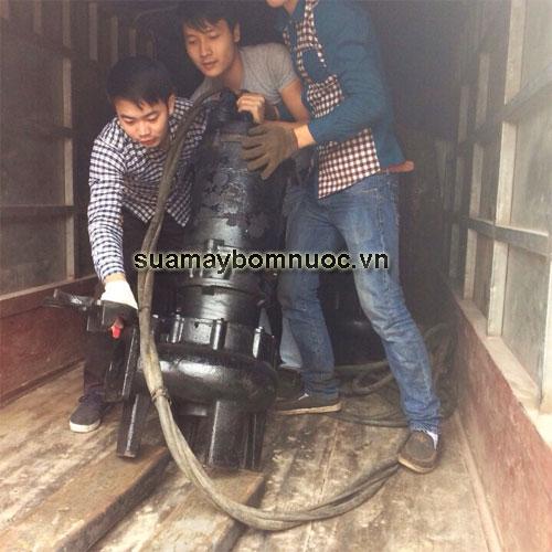 sua-may-bom-tha-chim-nuoc-thai-cong-suat-lon1